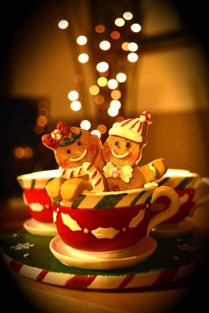 Yankee Candle Gingerbread Men Re Worked For Smile On Saturdays Theme Of Christmas Decorations
