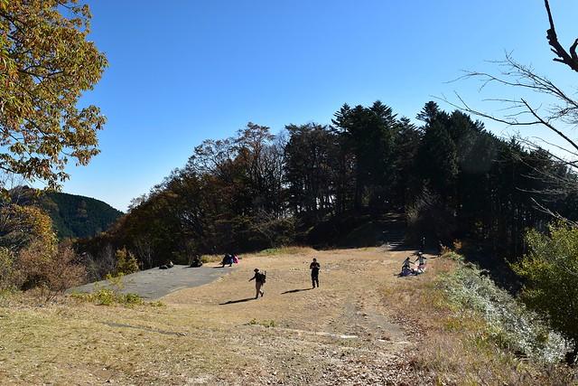 御岳山展望台前の広場