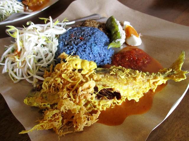 Warong Cafe nasi kerabu ikan celup tepung