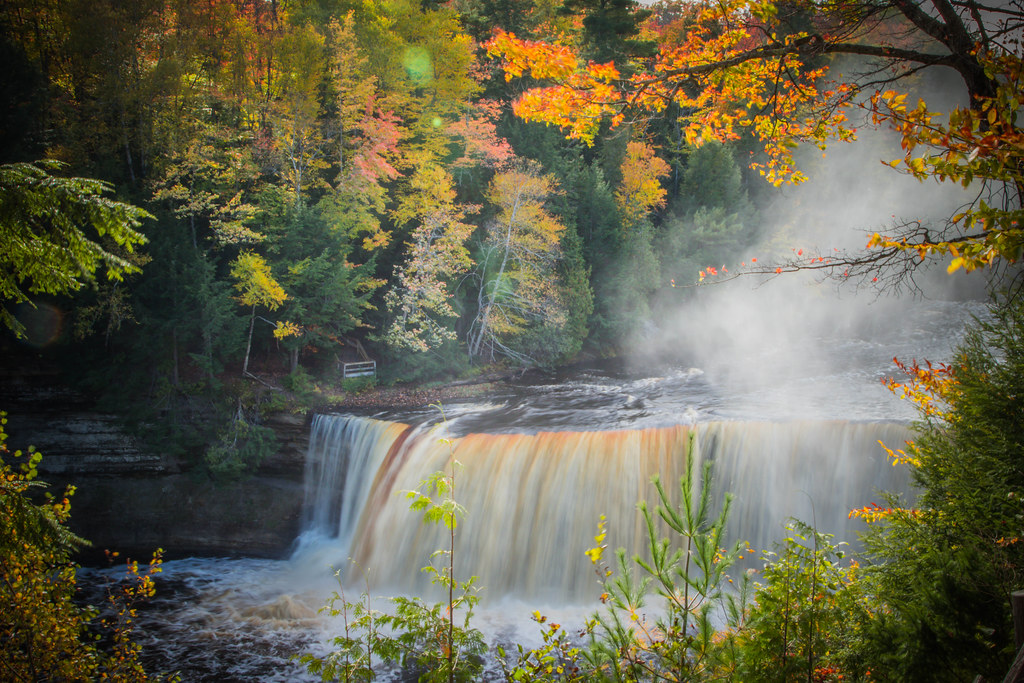 Tahquamenon Falls    Explored