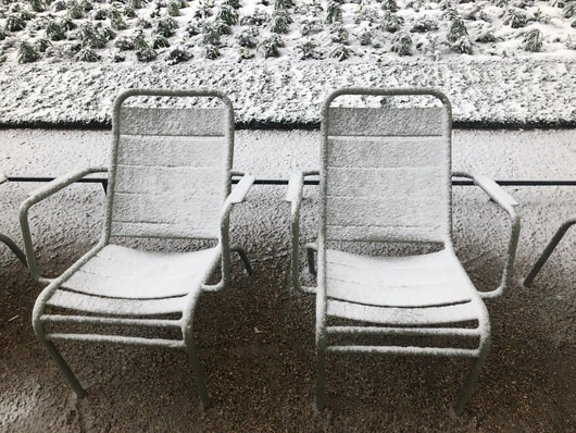 Le Jardin du Luxembourg sous la neige, près des Hôtels Paris Rive Gauche - réservez sur notre site web pour le meilleur tarif garanti et un welcome drink offert à l'arrivée !