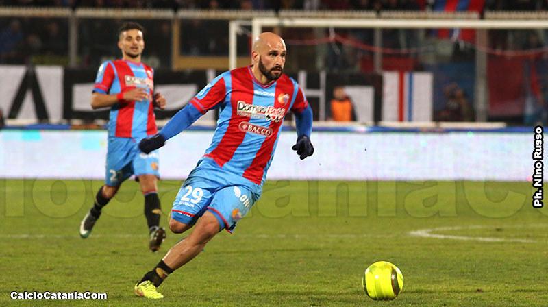Francesco Ripa in azione contro la Virtus Francavilla