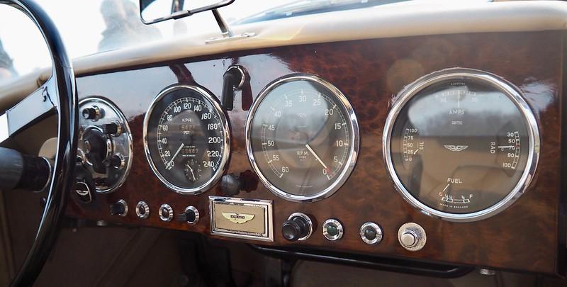 Aston Martin DB2 / 1955 - Suresnes Janvier 2018 38976516394_e2e21137e0_c
