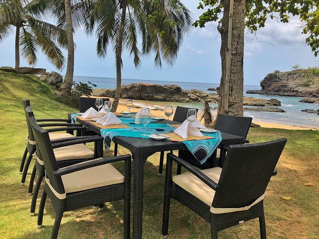 Mesa del restaurante del Bom Bom en Príncipe
