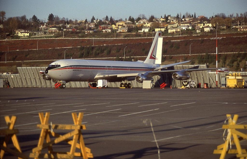Les 2 Boeing 707 des FRA 39660361822_0ef91a27e4_o