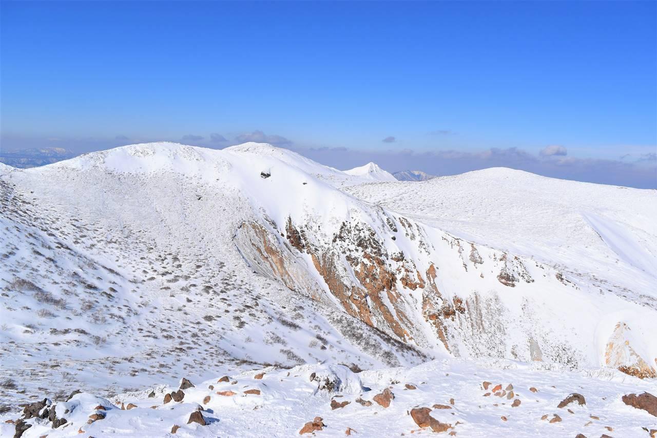 那須岳・朝日岳山頂からの旭岳(赤崩山)