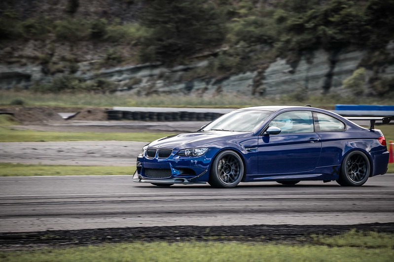 ▻ E92 M3 Track Car with a Wide ARC-8 Square Fitment - BMW