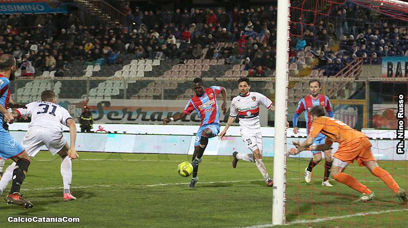 Il gol del definitivo 2-2 al Cosenza di Kalifa Manneh
