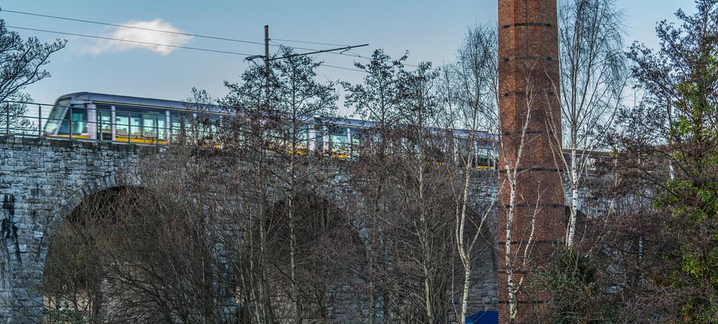 NINE ARCHES TRAM BRIDGE IN DUBLIN 004