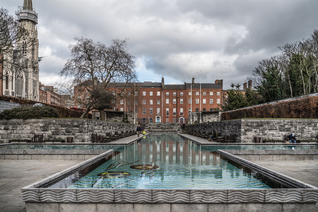 GARDEN OF REMEMBRANCE PARNELL SQUARE DUBLIN 004