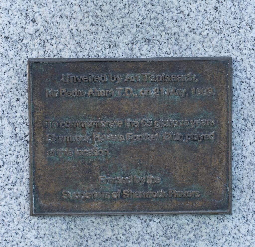 MEMORIAL AT GLENMALURE PARK 003
