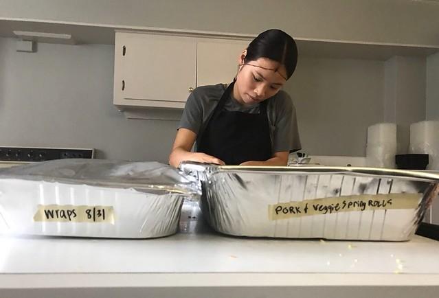 Elizabeth Vansant works in the Campus Kitchen