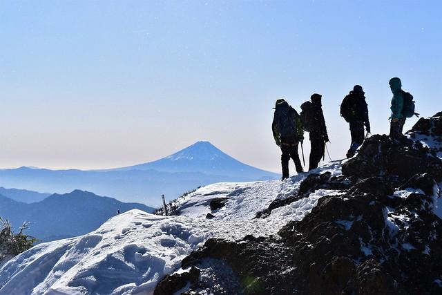 富士山と登山者