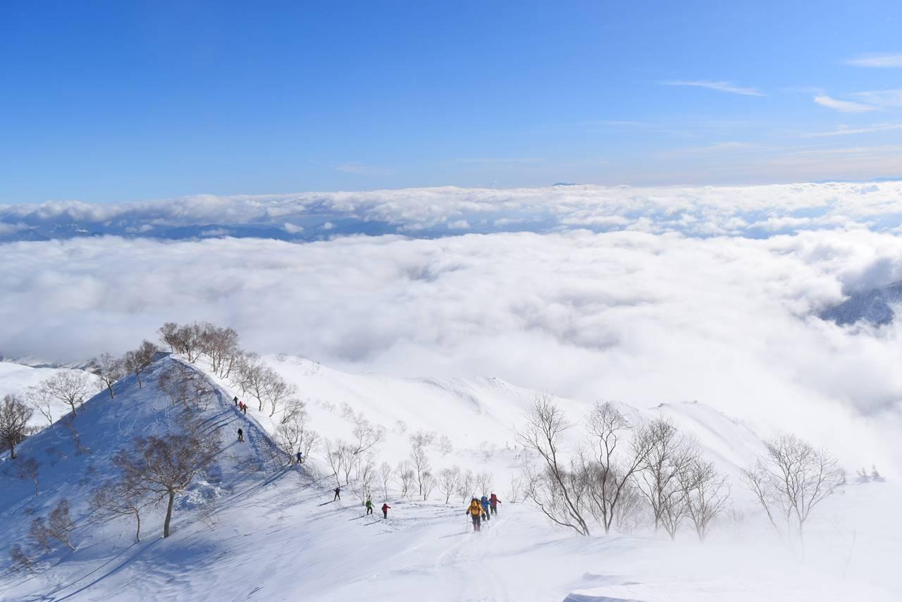 冬の八方尾根登山と雲海