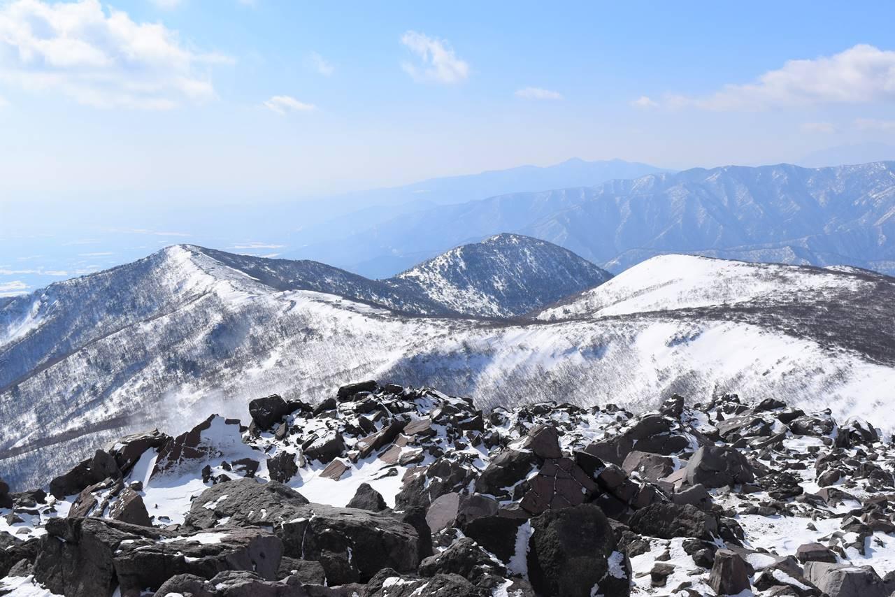 那須岳・南月山方面の稜線