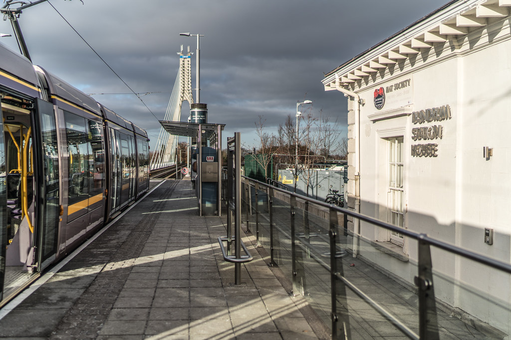 DUNDRUM LUAS STOP AND NEARBY 004