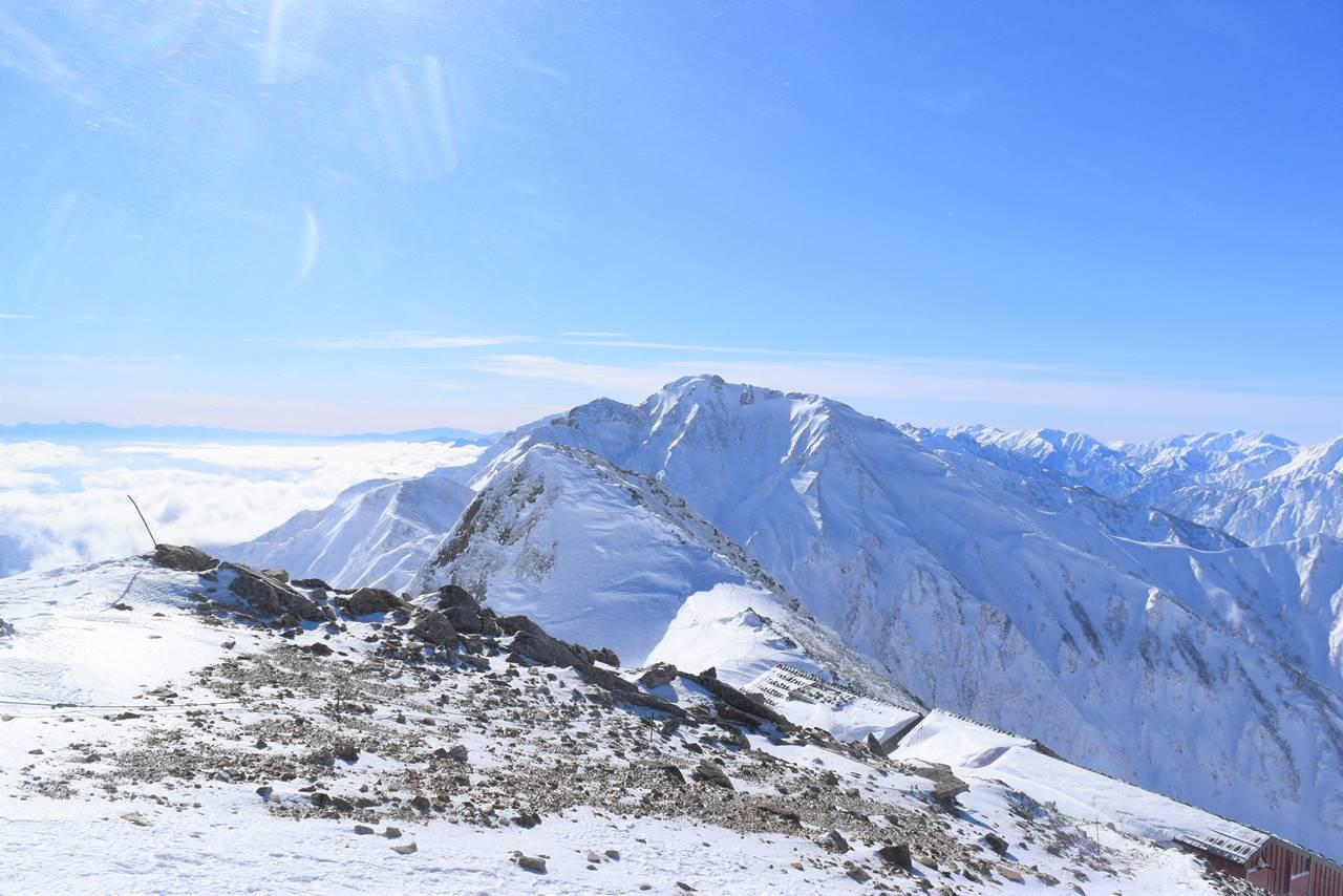 八方尾根・丸山から眺める五竜岳