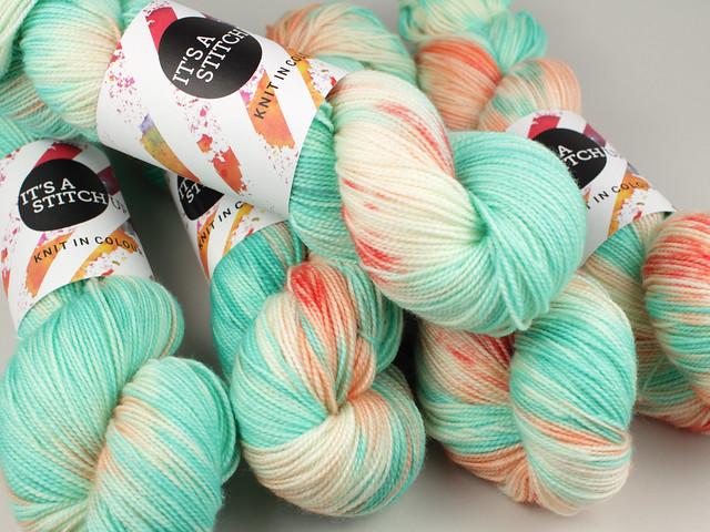 Favourite Sock – hand-dyed superwash merino wool yarn 4 ply/fingering 100g – 'Poolside Drama'