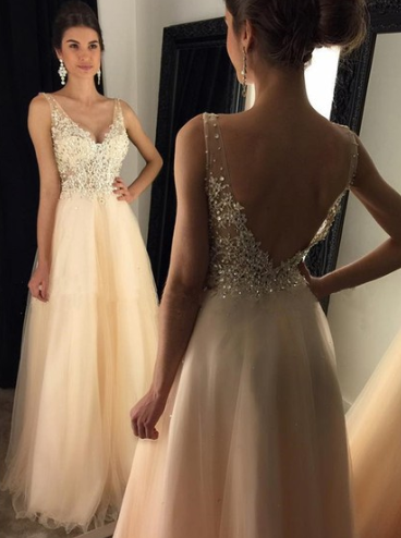 http://uk.millybridal.org/product/glamorous-a-line-v-neck-tulle-appliques-lace-floor-length-backless-prom-dresses-ukm020102889-18286.html?utm_source=minipost&utm_medium=2601&utm_campaign=blog