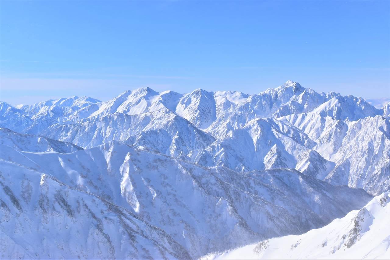 雪の立山連峰~剱岳
