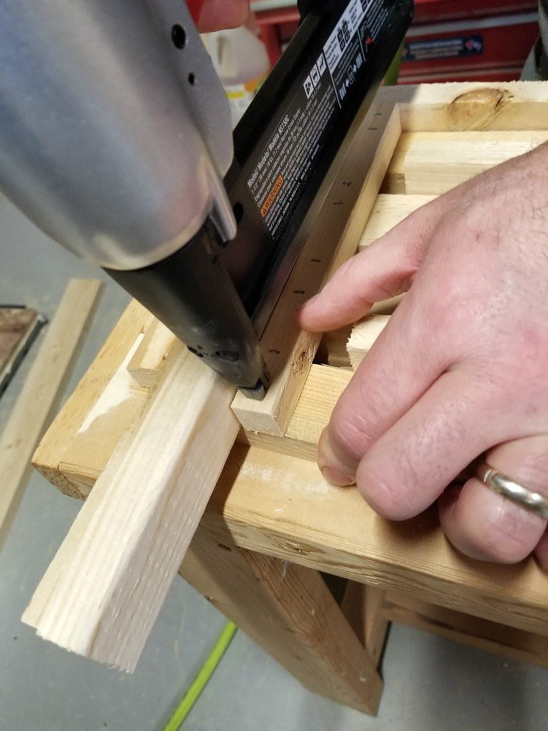 how to build a wooden crate