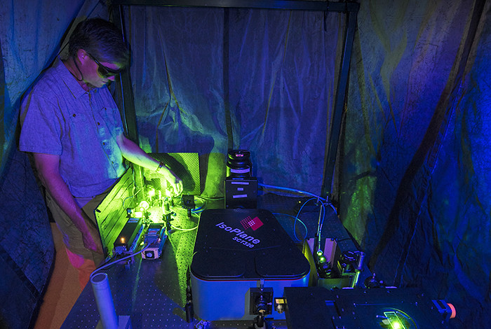 Stephen Doorn, of Los Alamos National Laboratory, working on an instrument used for spectroscopic characterization of carbon nanotubes.