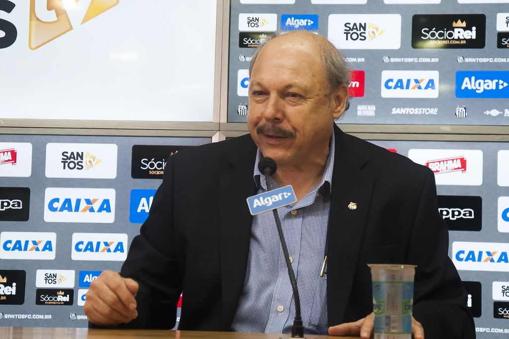 Agente de jogador diz que negociações com o Santos não estão encerradas