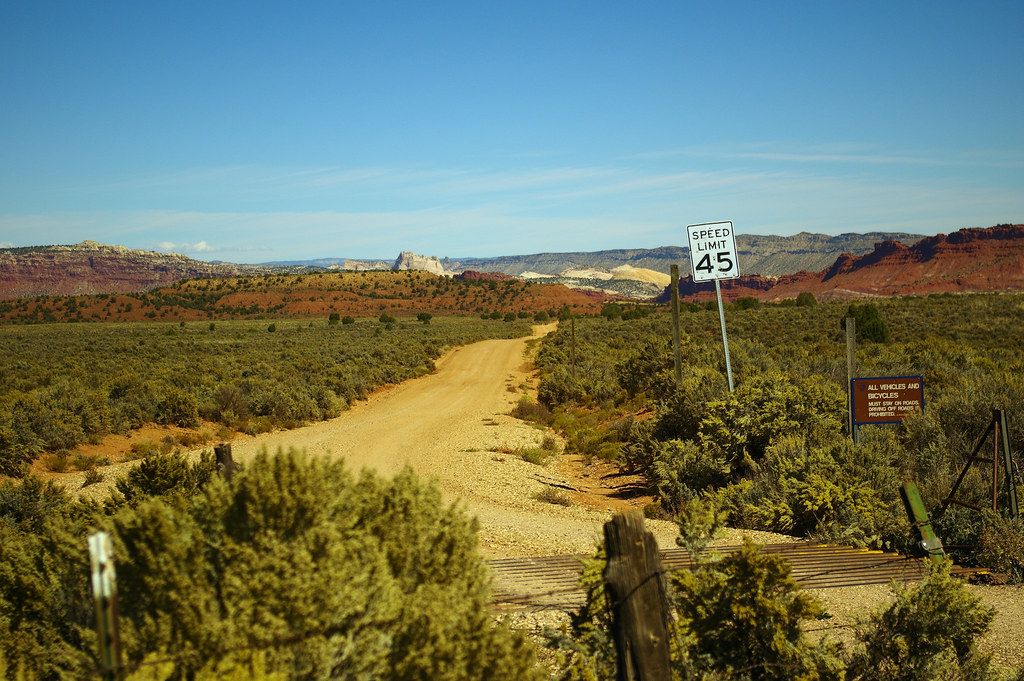 "Old Spanish Trail and road to Paria (aka Pahreah), Utah, ghost town, Grand Staircase-Escalante National Monument, October 9, 2015 (Pentax K-3 II) 37°11'10""N 111°59'44""W"
