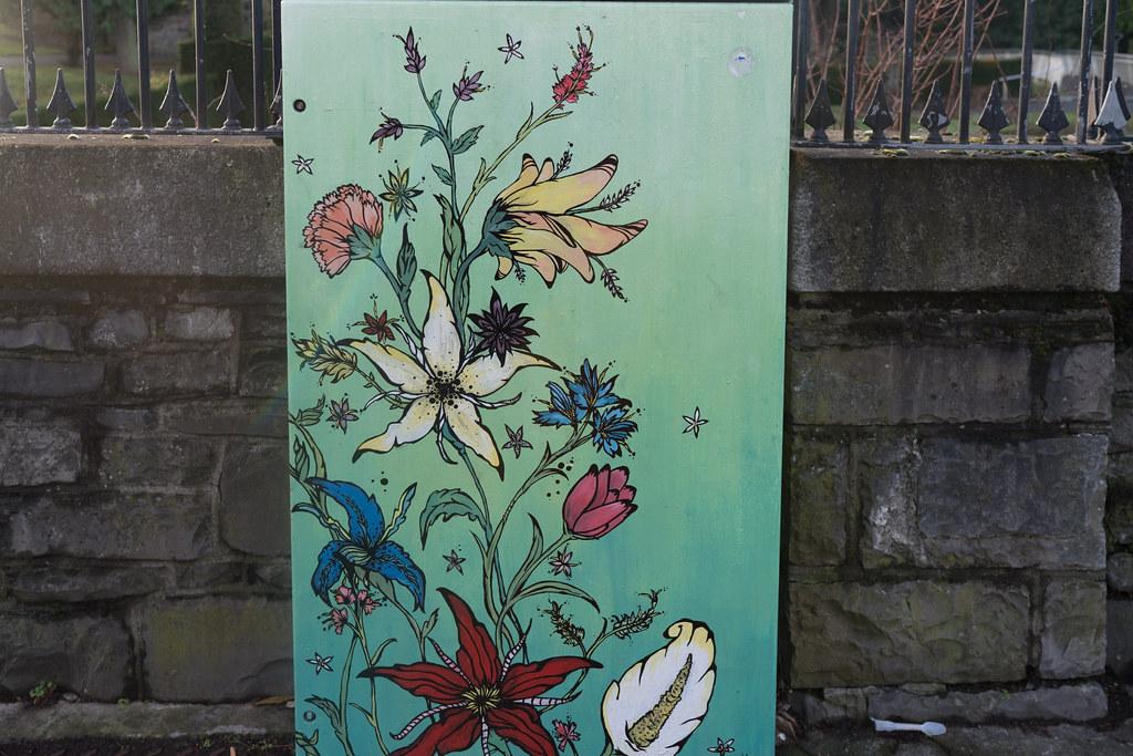 GARDEN OF LIVE FLOWERS 002