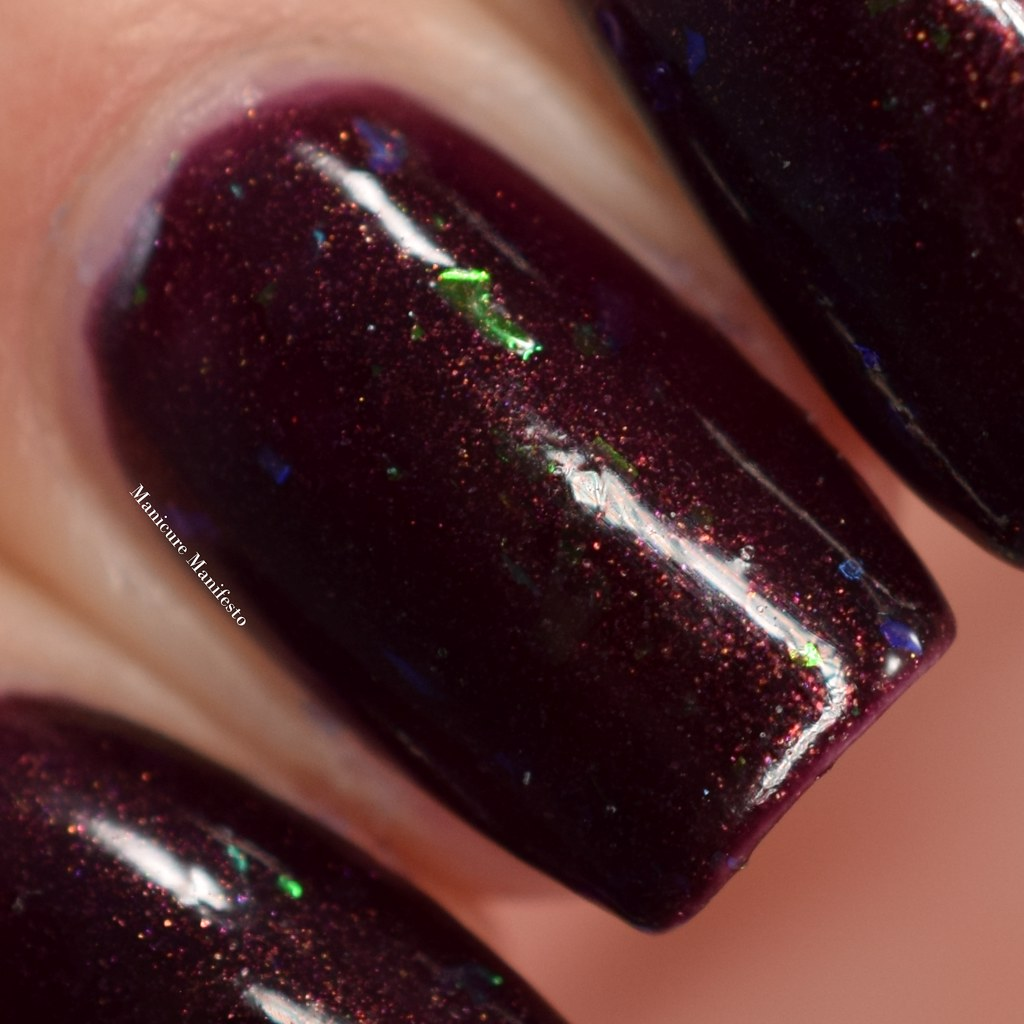 Girly Bits Dark Reflection swatch