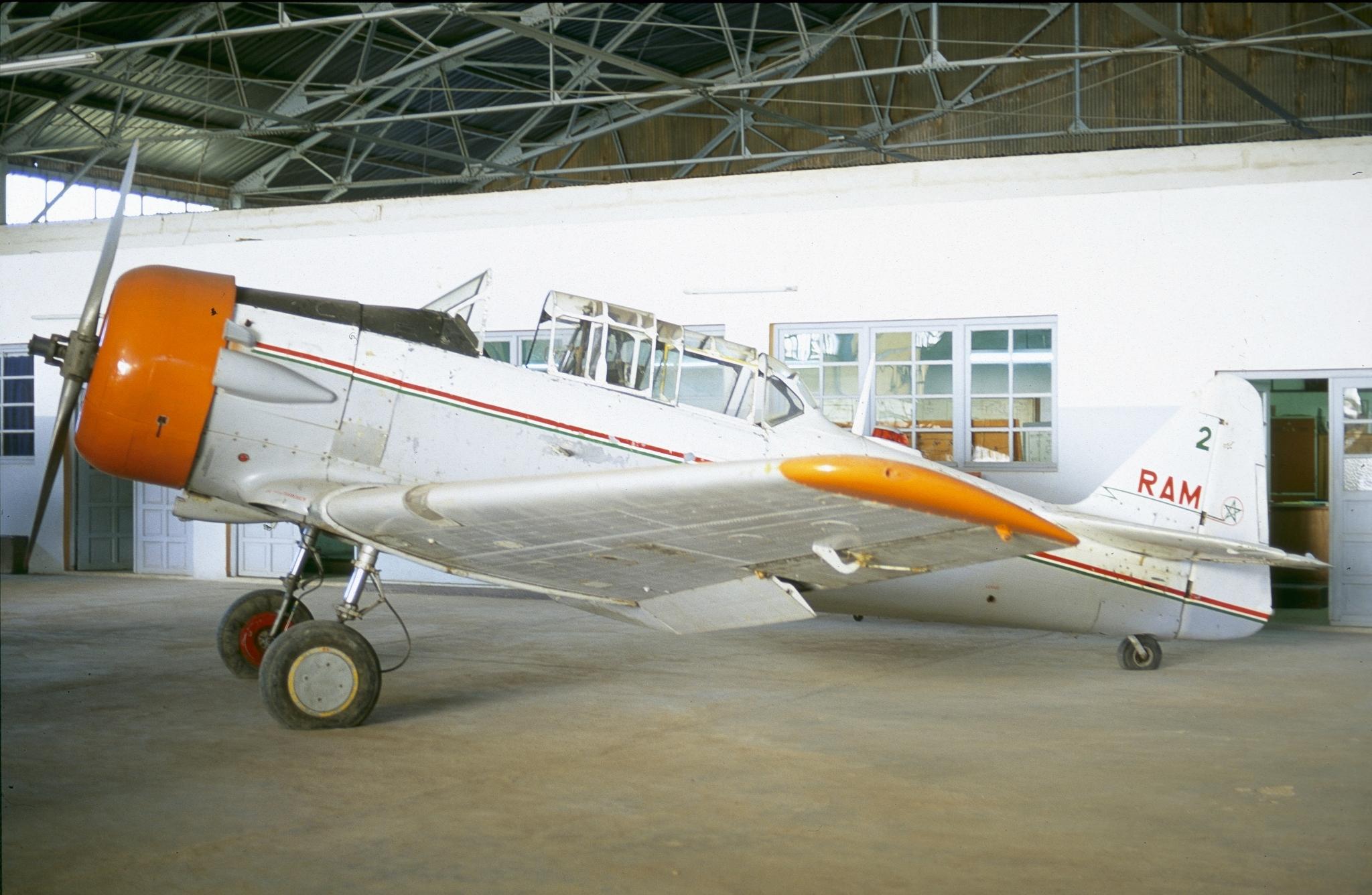 Anciens avions de la RAM 40159999342_0f28c4e148_o