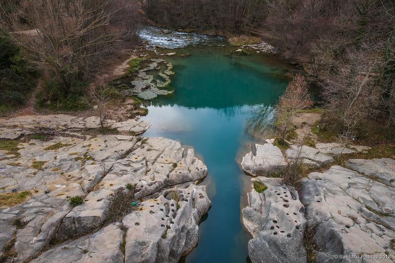 Marcas del antiguo puente románico de Pedret