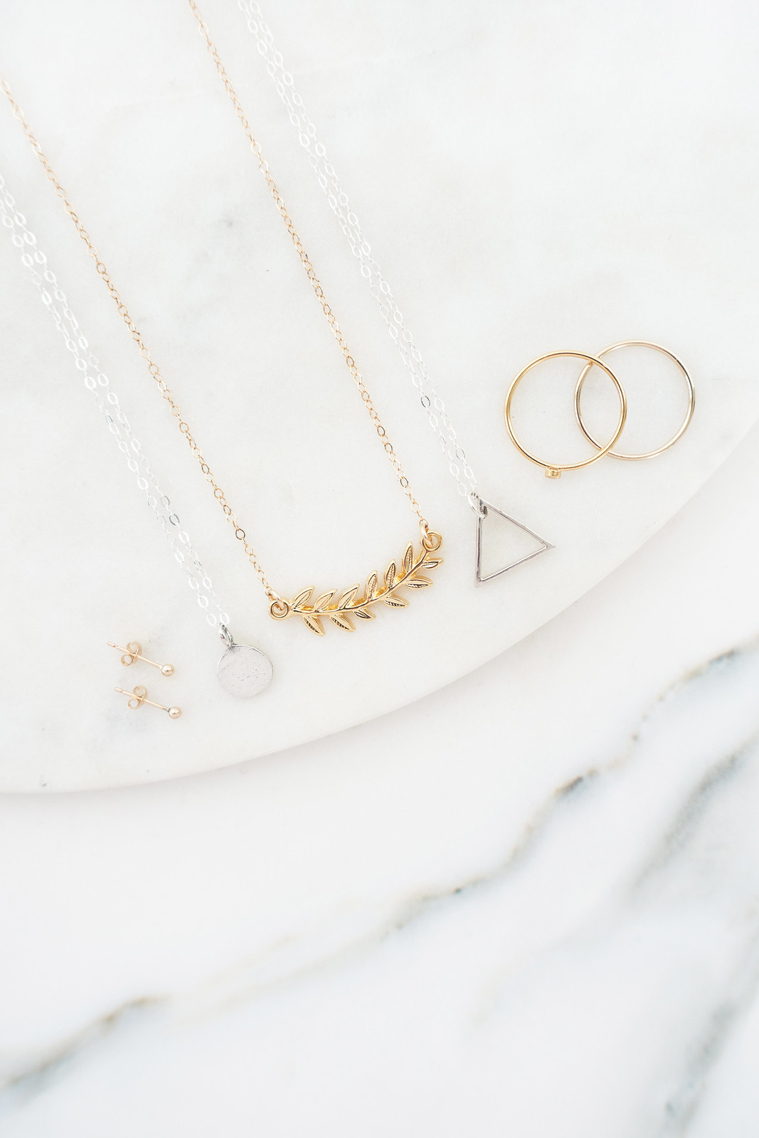 A Beginner's Guide To Minimal Jewellery