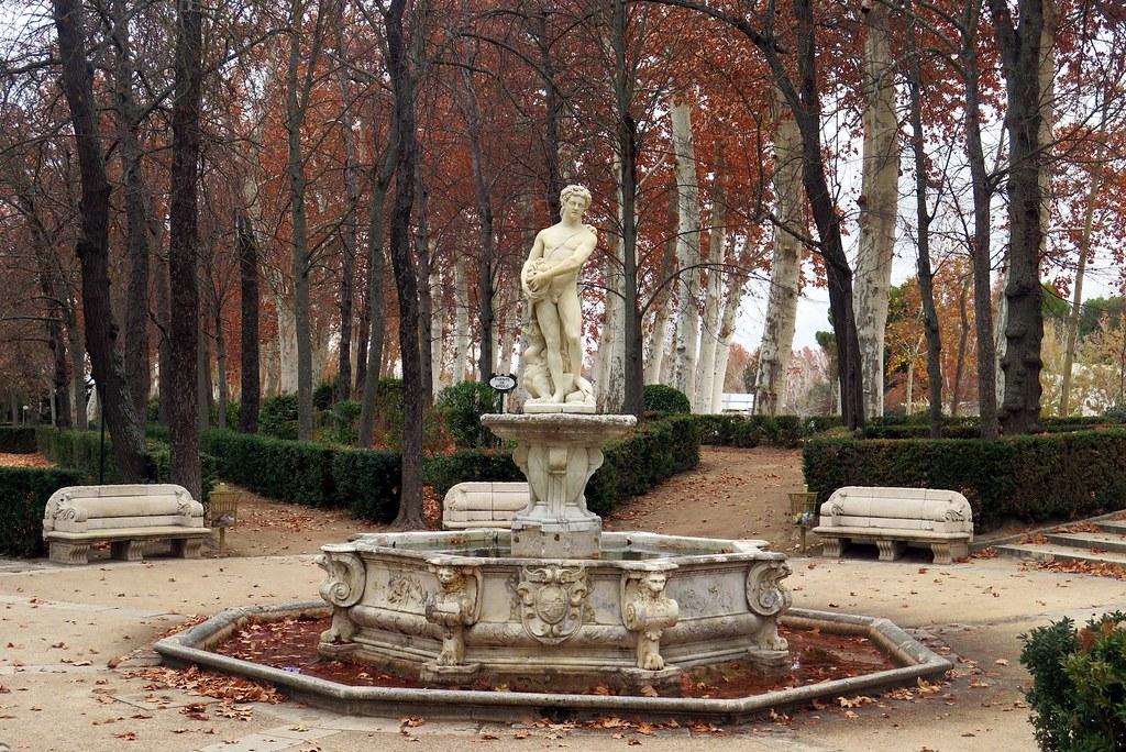 the fountain of apollo in the garden island fuente de apolo by - Fu Garden