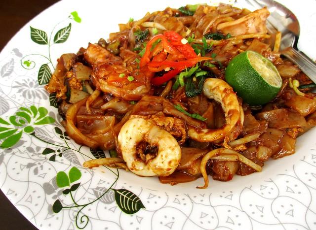 La'zzaty Cuisine seafood kway teow