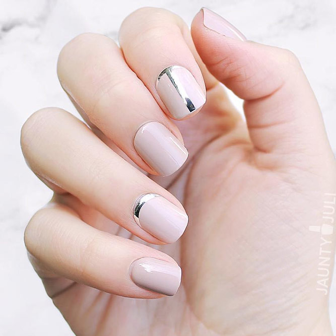 Nail Color Trend: Color-nails-trends-nude-base-silver-ruffian-design-short-s