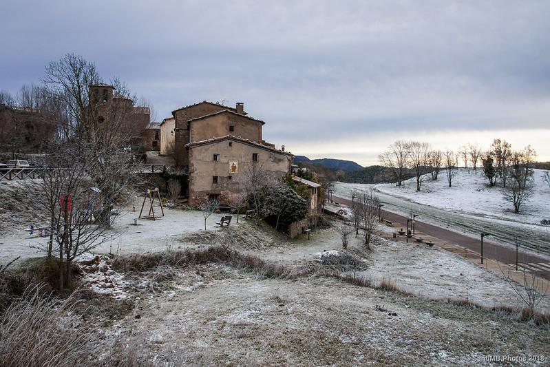 Sant Jaume de Frontanyà en un frío día de finales de otoño