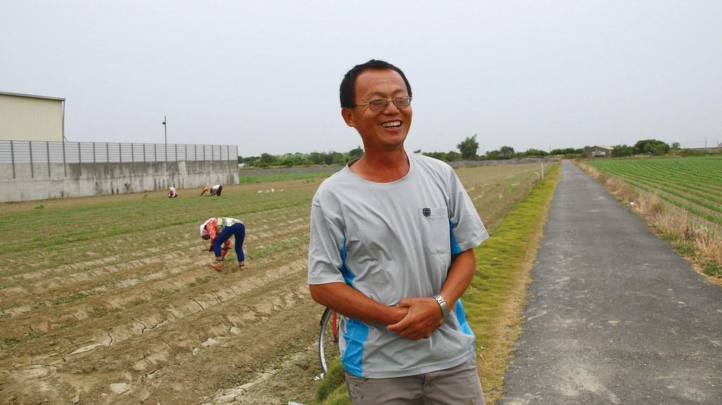 合作社資深農友翁錦煌,在有機耕種還未風行時就投入,迄今供菜已二十年。