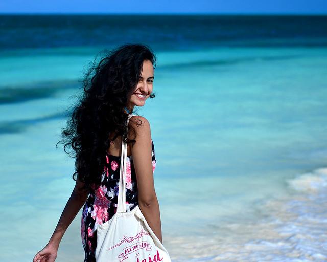 Dando un paseo por la playa de Cayo Levisa