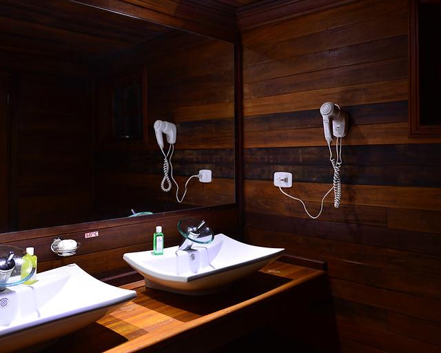 Cuarto de baño de la cabaña de Cayo Levisa