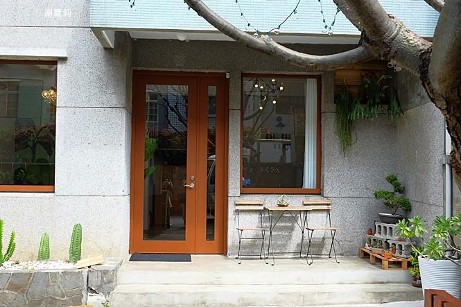 39686495385 a294de2e9e b - ROU ROU Kaffee 肉肉咖啡 | 影片版 新開幕,多肉植物 手沖咖啡,清新老宅氛圍的大份量豐盛早午餐!