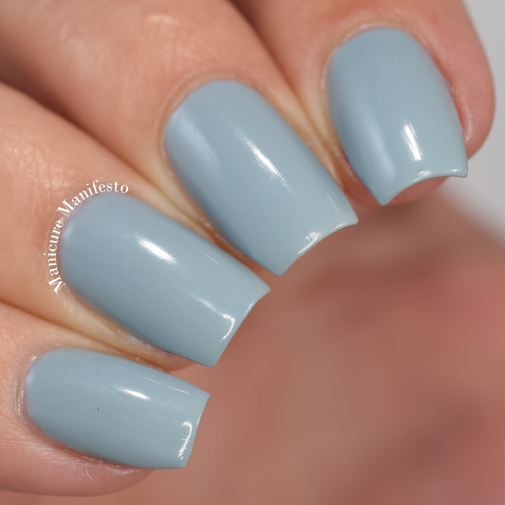 Essie Indi-go for it swatch