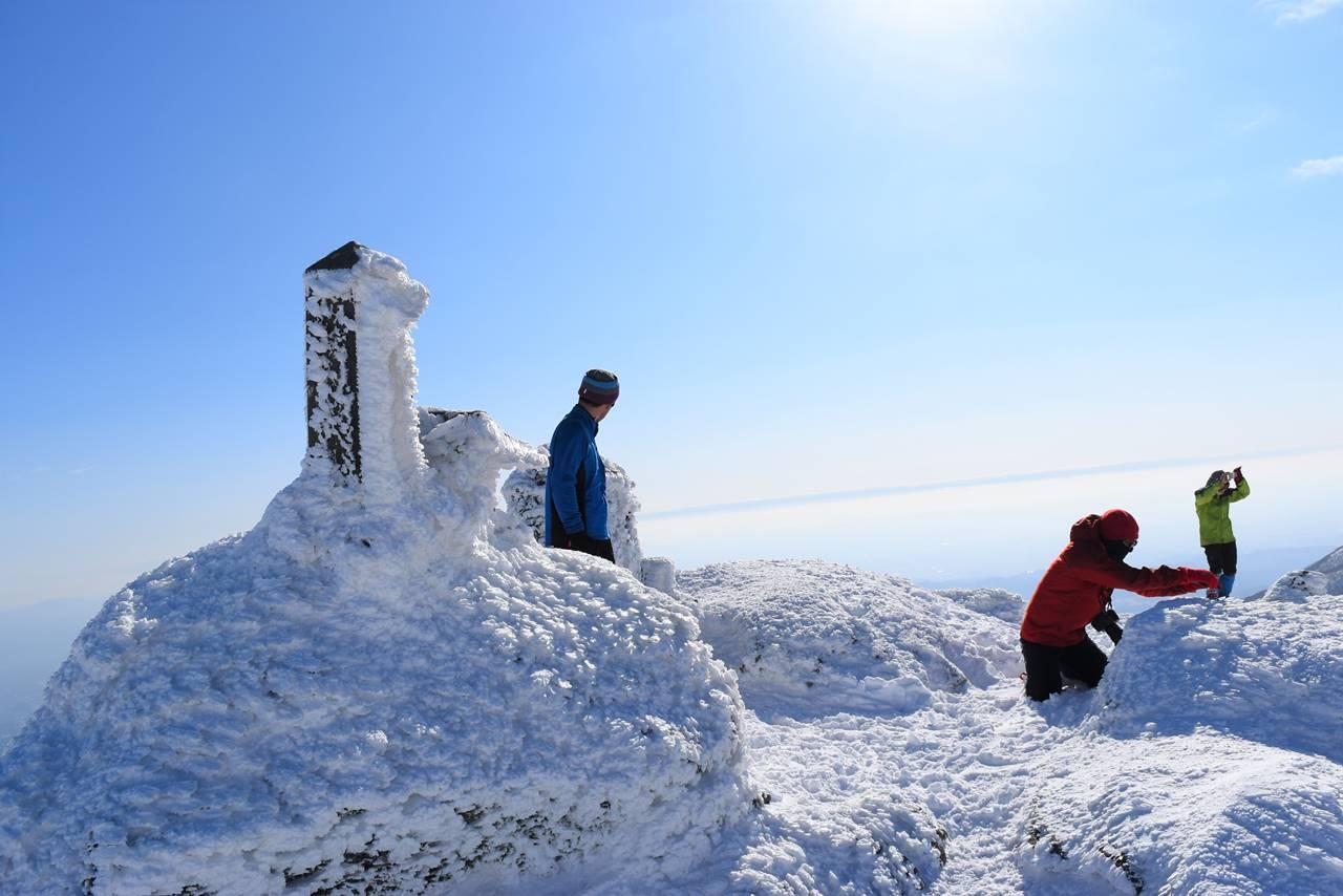 冬の安達太良山山頂