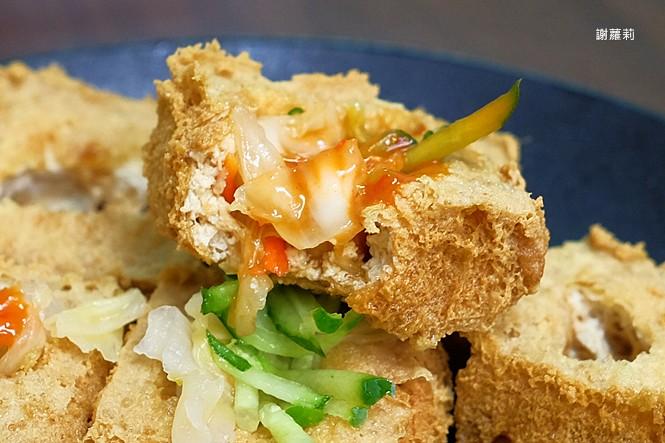 39412326844 f94ed4a2a8 b - 台中東區 | 濃鄉臭豆腐。台中火車站美食推薦 超好吃隱藏版臭豆腐,只有在地人才知道的低調銅版美食!