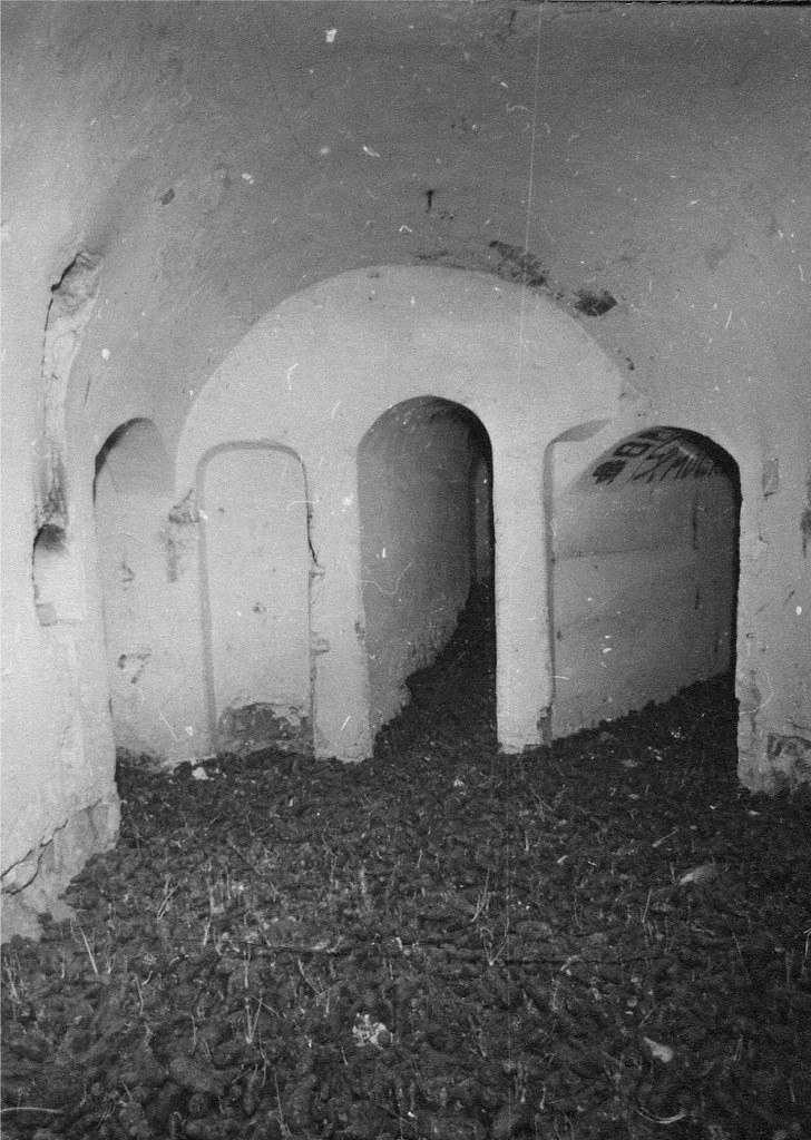 До 1983г. в древнейшей церкви находилось овощехранилище санатория