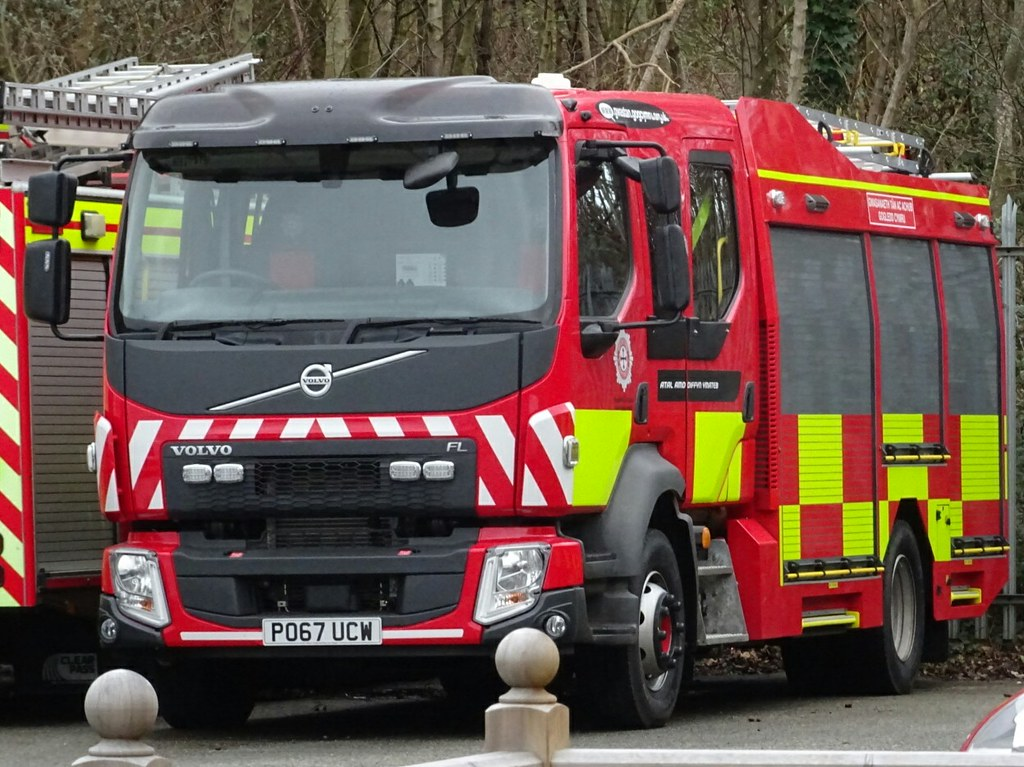 North Wales Fire And Rescue Volvo Ffl Emergency One Pumpin