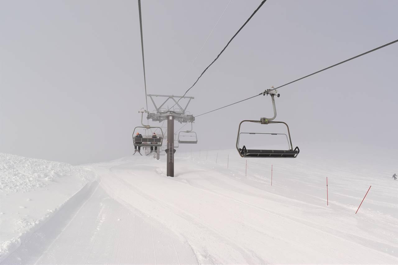 白馬八方スキー場 リフト(雲の中)