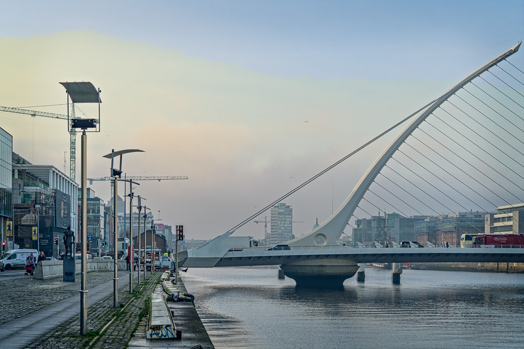 THE SAMUEL BECKETT BRIDGE 11 JANUARY 2018 001