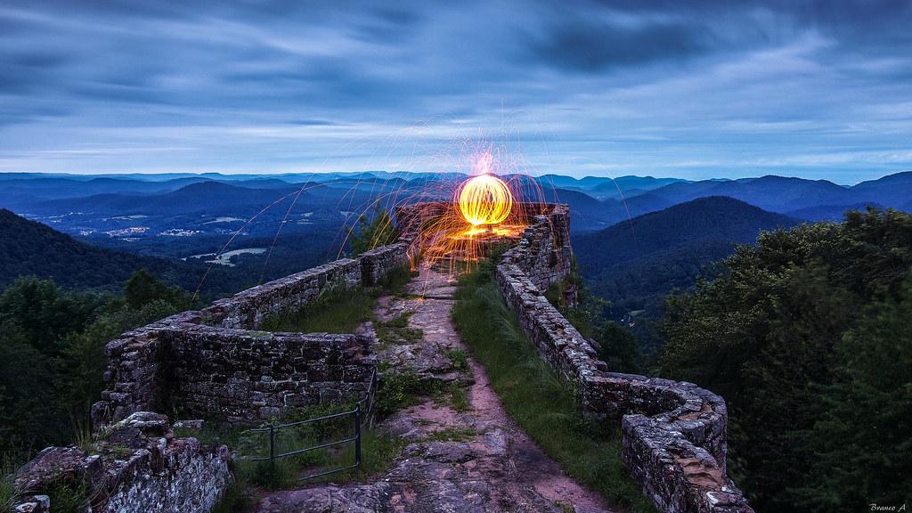 The beacon of the Wegelnburg | To visit on the highest ...