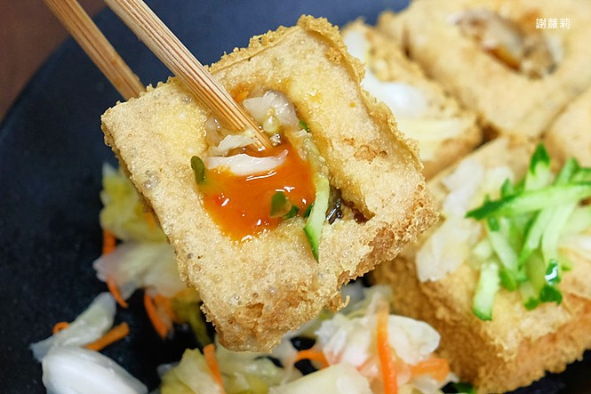 39225114855 a9918071c3 b - 台中東區 | 濃鄉臭豆腐。台中火車站美食推薦 超好吃隱藏版臭豆腐,只有在地人才知道的低調銅版美食!